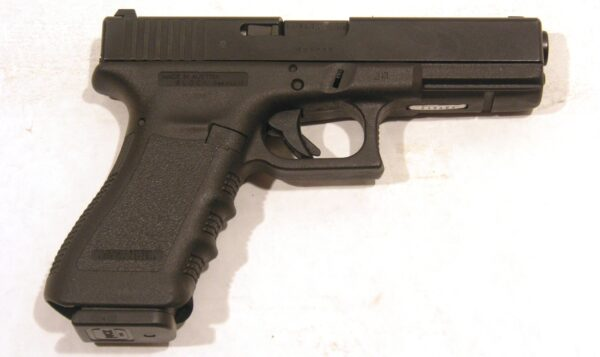 Pistola GLOCK, modelo 22, calibre 40 SW-0