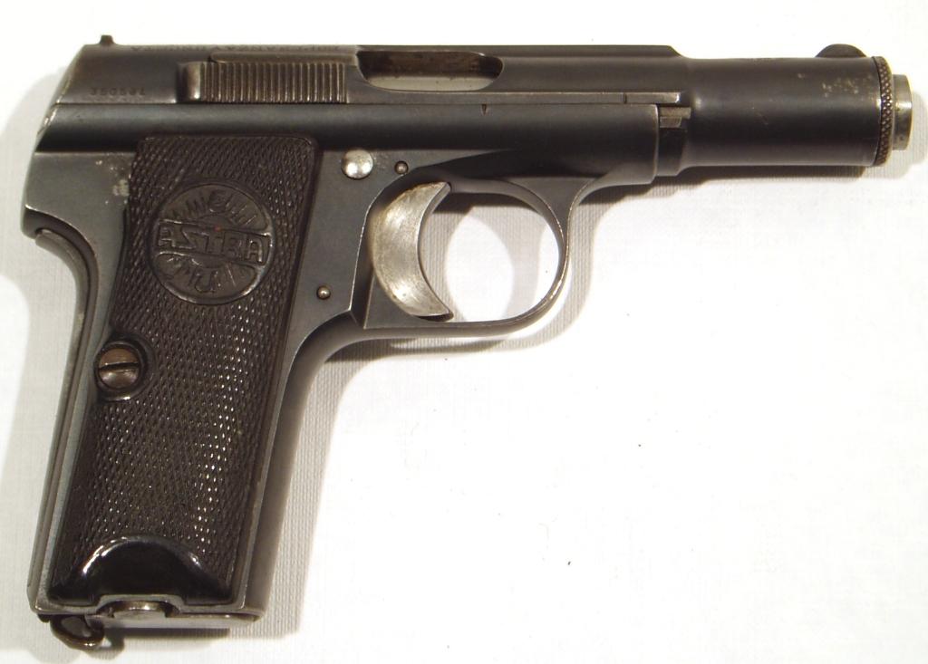 Pistola ASTRA, modelo 300, calibre 9 c. (380 ACP), nª 350581-0