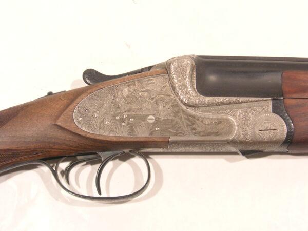 Escopeta AYA, modelo 37A, calibre 12, nº 8517, con dos juegos de cañones-455