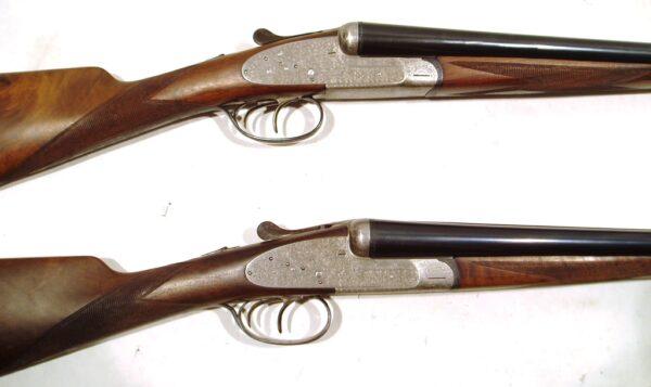 Pareja escopetas I. UGARTECHEA, modelo 1042U, calibre 12, nº 49728 y 49729 -731
