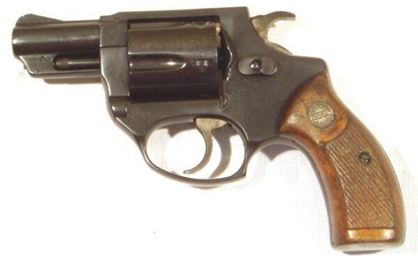 Revolver ASTRA, modelo 250, calibre .38 Sp., nº R298140. -1900