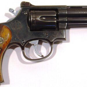 Revolver LLAMA, modelo COMANCHE II, calibre 38 Sp., nº 891.598-0