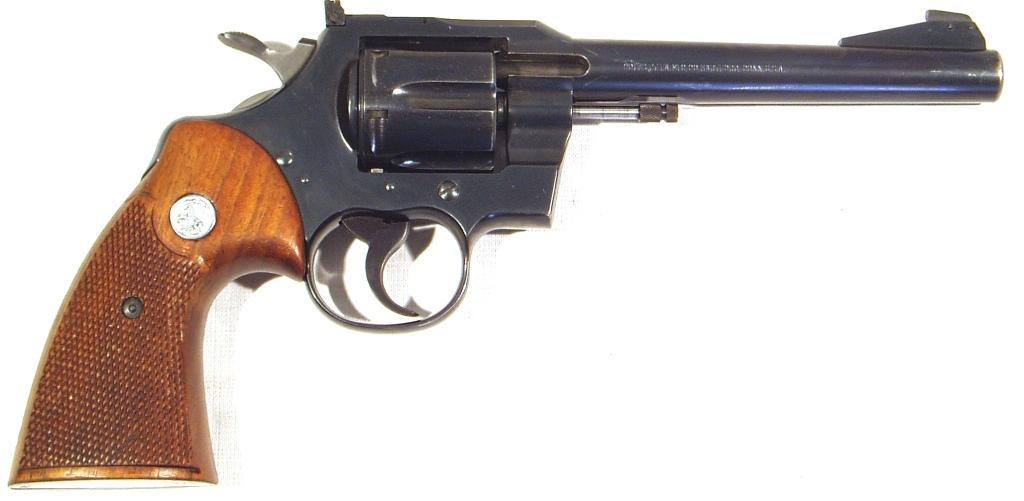 Revolver COLT, modelo OFFICER MODEL MATCH, calibre 22 lr., nº 87.525-0