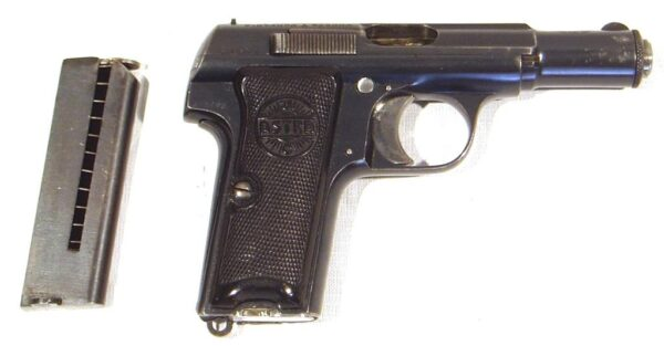 Pistola ASTRA, modelo 300, calibre 9 c., nº 372.763-2442