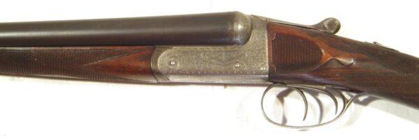 Escopeta CHARLES INGRAM, modelo Boxlock Ejector, calibre 16/65, nº A5548-2464