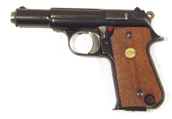 Pistola ASTRA, modelo FALCON, calibre 9 c, nº B1380-2446