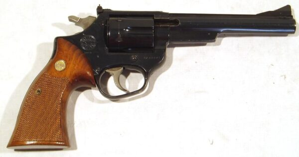 Revolver ASTRA, modelo A357, calibre 357 Mg., nº R235564-0