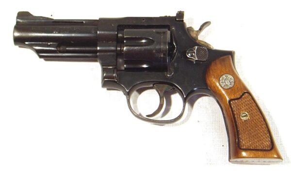 Revolver LLAMA, modelo XXVII, calibre 32 SW., nº 797893-2469