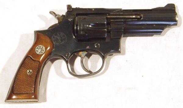 Revolver LLAMA, modelo XXVII, calibre 32 SW., nº 797893-0
