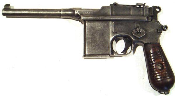 Pistola MAUSER 1896, modelo 1932, tipo 712, calibre 7,63x25, nº 21264-2621