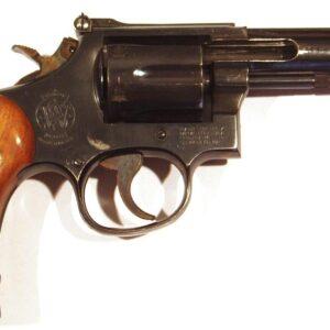Revolver SMITH&WESSON, modelo 15-4, calibre 38Sp, nº 99K5439-0