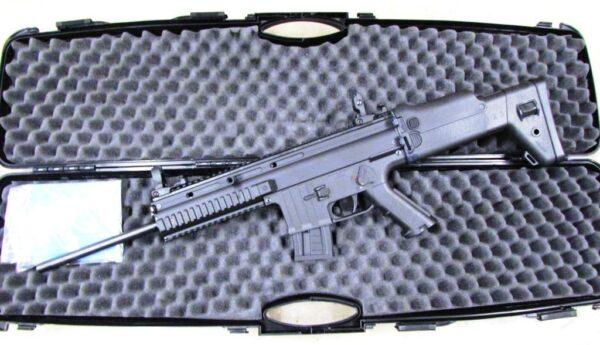 Carabina ANSCHUTZ, modelo BLACK HAWKS, calibre 22 lr.-2741