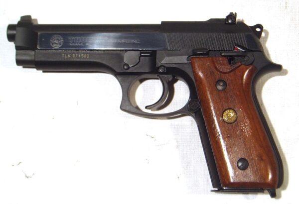 Pistola TAURUS, modelo PT99AF, calibre 9 Pb., nº TLK87458D-2941