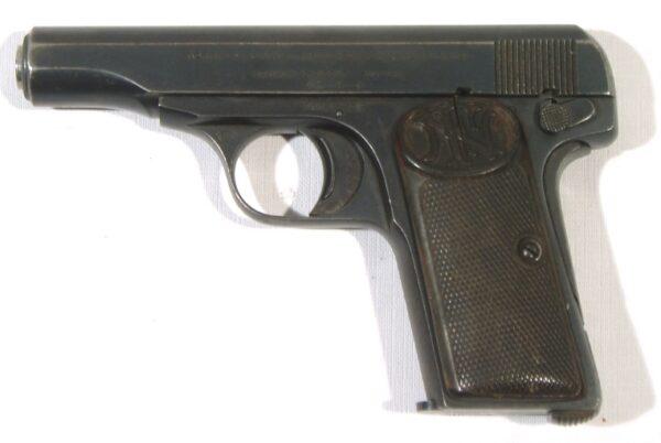 Pistola BROWNING, modelo 1910, calibre 9 corto, nº 156392-3218