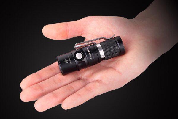 Linterna FENIX, modelo RC09, 550 lumens, 4 modos+estrobo-3390