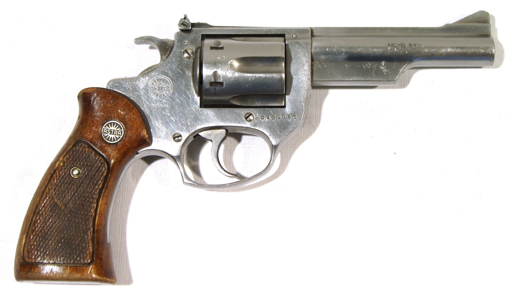Revolver ASTRA, modelo NC6 INOX, calibre 38 Sp. varios-0